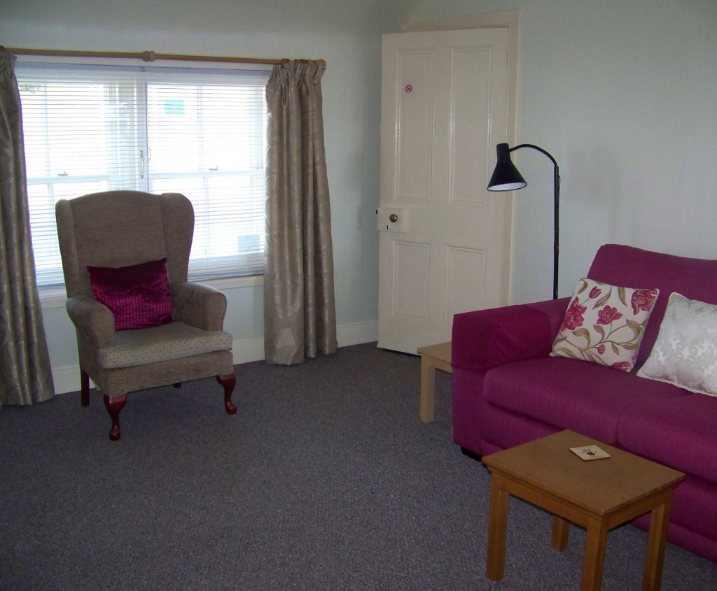 Redfield Cottage, self-catering in Montrose, sitting room