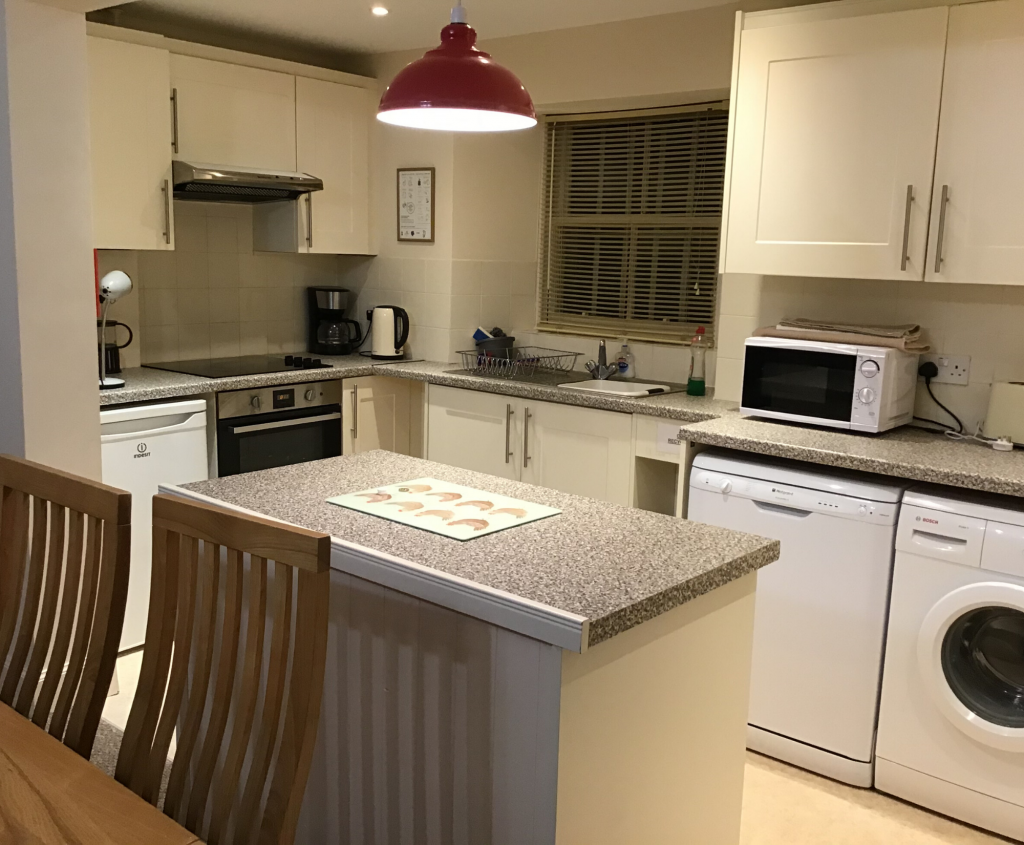 Mall House, self-catering apartment in Montrose, kitchen
