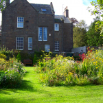 Mall House, self-catering apartment in Montrose, garden in summer